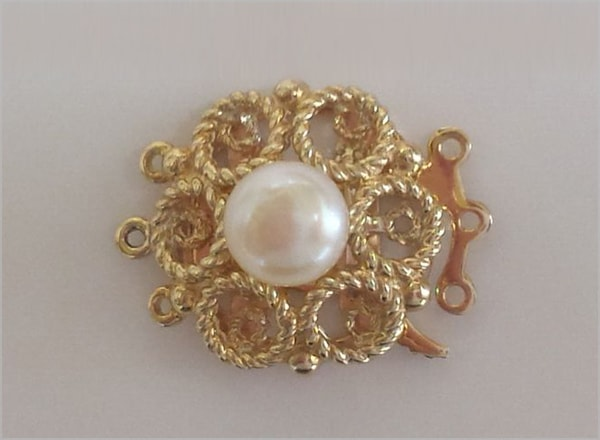 9ct YG clasp with centre pearl