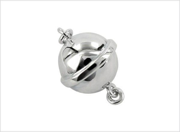 Polished magnetic clasp with rim