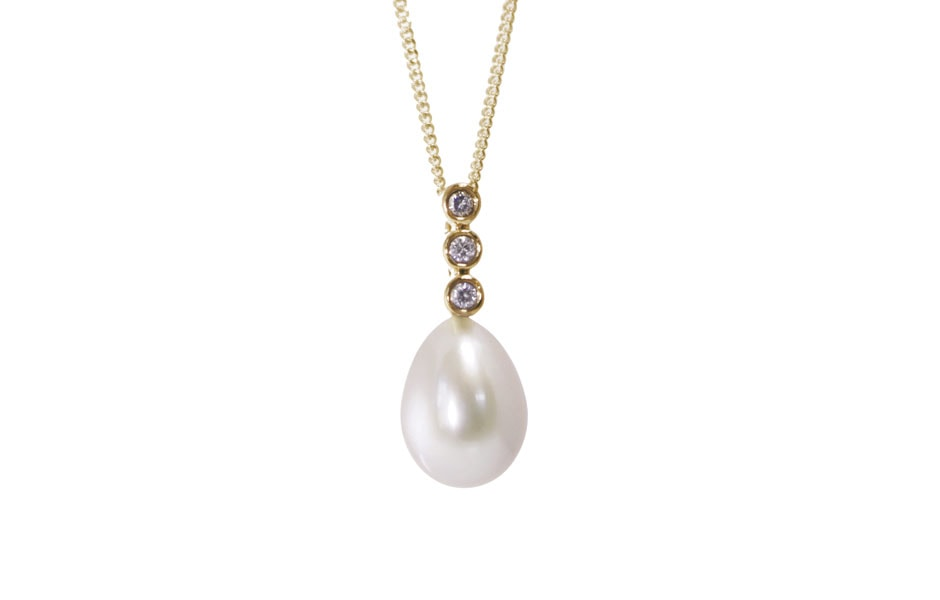 Diamond-set Pearl